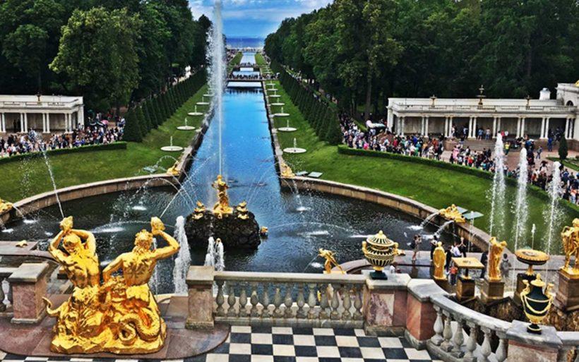 Perły Bałtyku Petersburg i Ryga jesienią.