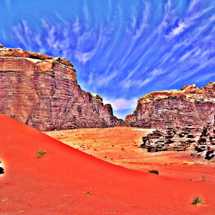 Jordania Premium Travel Four wheel drive in Wadi Rum